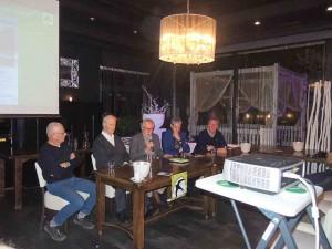 Het panel met v.l.n.r. Peer Verkuijlen, André van Es, Bert de Ruiter, Burgemeester  Hans van der Pas en Han Runhaar.