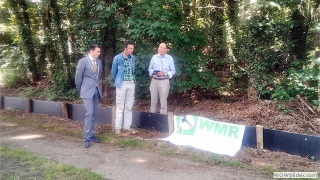 Burgemeester J. van Oostrum, Gerard Vernooy en Roel van de Weg.